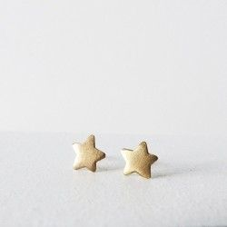 Gold stud earrings star