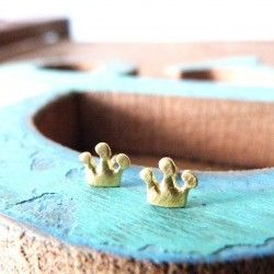 Yellow gold baby earrings crown