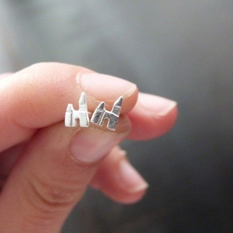 Earrings in the shape of palace
