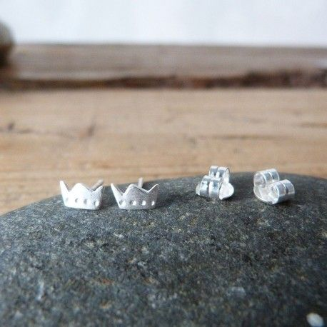 Small king crown earrings